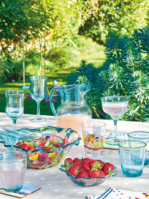 Aqua, Picnic, Turquoise, Meal, Brunch, Table, Summer, Event, Party, Recreation,