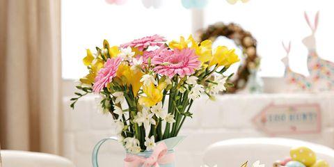 Serveware, Dishware, Flower, Petal, Bouquet, Porcelain, Interior design, Lavender, Ceramic, Cut flowers,