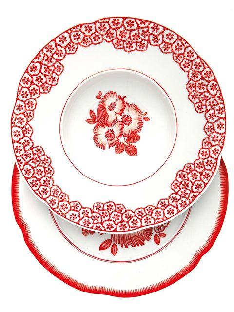 Dishware, Serveware, Pattern, Circle, Cake, Porcelain, Dessert, Creative arts, Coquelicot, Sugar cake,