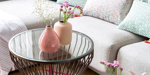 Coffee table, Pink, Furniture, Table, Living room, Room, Cushion, Interior design, Pillow, Textile,