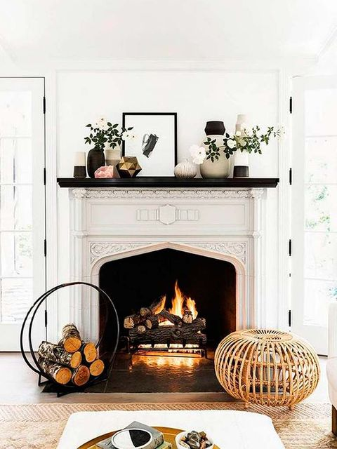 Hearth, Fireplace, Room, Furniture, Living room, Interior design, Table, Wood-burning stove, Fire screen, Heat,
