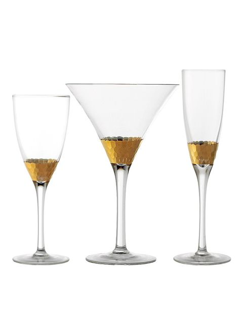 Drinkware, Fluid, Glass, Liquid, Yellow, Drink, Alcoholic beverage, Stemware, Barware, Alcohol,