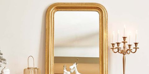 Mirror, Room, Hearth, Furniture, Wall, Interior design, Material property, Christmas decoration, Fireplace, Home,