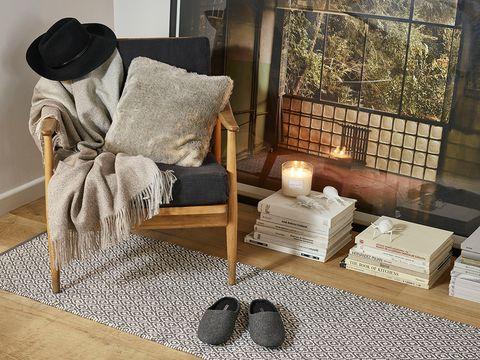 Room, Interior design, Pillow, Throw pillow, Grey, Cushion, Beige, Lamp, Linens, Home,