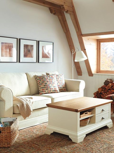 Wood, Room, Brown, Interior design, Wall, Furniture, Home, Ceiling, Couch, Floor,