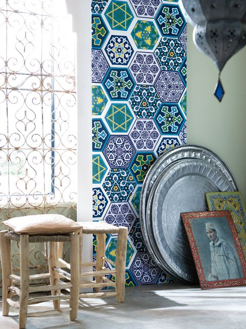 Blue, Turquoise, Teal, Aqua, Visual arts, Wallpaper, Plate, Dishware, End table, Outdoor table,