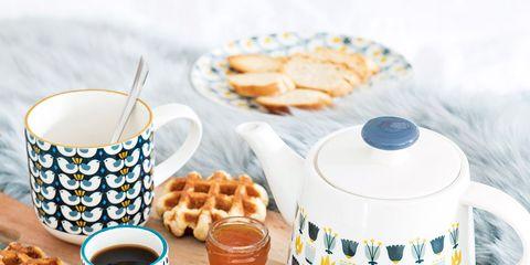 Cup, Breakfast, Food, Cup, Coffee cup, Meal, Dish, Teacup, Cuisine, Tableware,