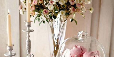 Petal, Flower, Pink, Serveware, Bouquet, Interior design, Cut flowers, Centrepiece, Flower Arranging, Vase,