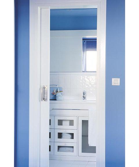 Modelos de puertas para banos pequenos for Puertas corredizas para banos pequenos