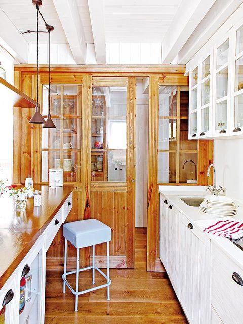 Wood, Room, Interior design, Floor, Ceiling, Flooring, Hardwood, Interior design, Fixture, Cabinetry,