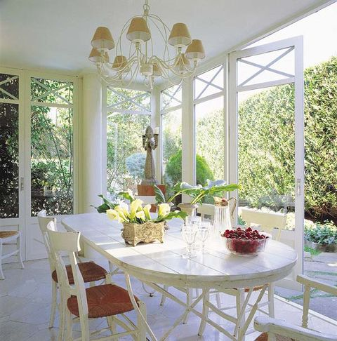 Interior design, Room, Table, Furniture, Ceiling, Glass, Chair, Interior design, Light fixture, Fixture,
