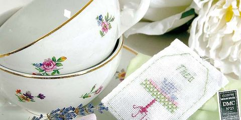 Blue, Textile, Pink, Serveware, Petal, Purple, Lavender, Creative arts, Dishware, Aqua,
