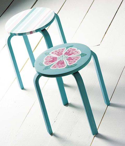 Furniture, Teal, Turquoise, Chair, Peach, Aqua, Material property, Outdoor furniture,