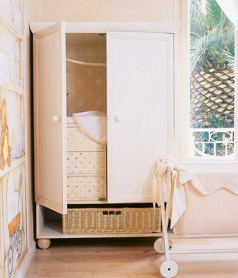 Wall, Fixture, Beige, Handle, Cupboard, Molding, Cabinetry, Door handle, Home door,