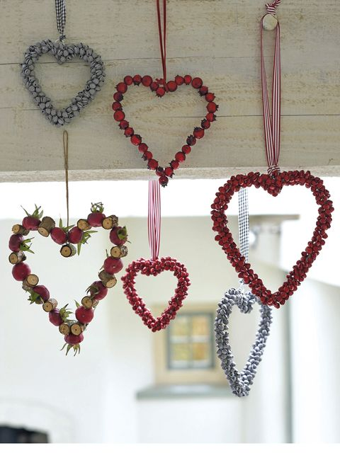 Red, Heart, Pattern, Love, Fashion, Body jewelry, Design, Natural material, Chain, Still life photography,
