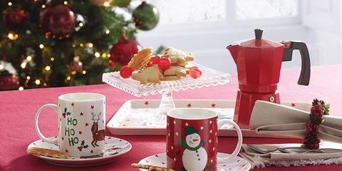 Tablecloth, Table, Textile, Pink, Linens, Tableware, Cup, Home accessories, Room, Coffee cup,