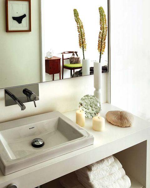 Room, Plumbing fixture, Bathroom sink, Interior design, Wall, Interior design, Tap, Picture frame, Sink, Plumbing,