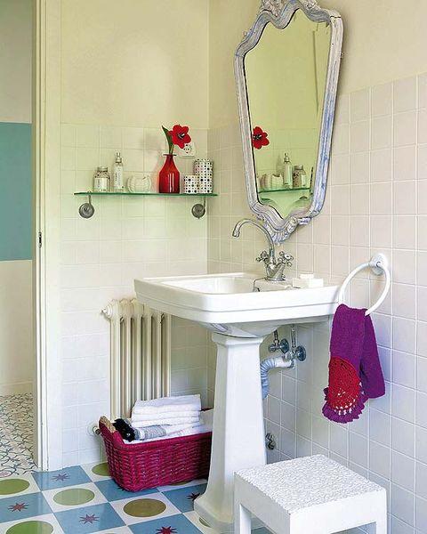 Room, Interior design, Wall, Plumbing fixture, Interior design, Mirror, Household supply, Teal, Bathroom accessory, Bathroom,