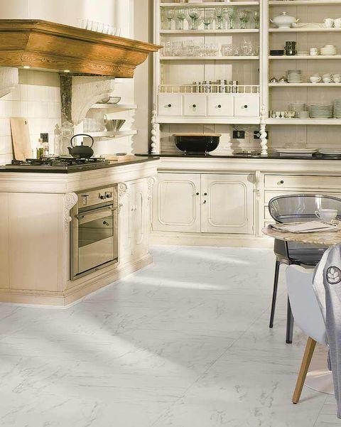 cocina suelo con laminado mármol de carrara