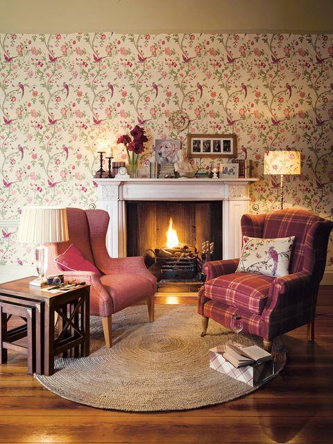 Wood, Interior design, Room, Floor, Flooring, Living room, Furniture, Hardwood, Home, Wall,