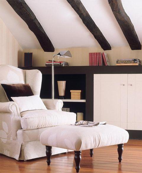 Wood, Floor, Flooring, Interior design, Room, Hardwood, Wood flooring, Laminate flooring, Wall, Furniture,
