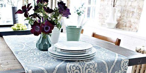 Petal, Tablecloth, Serveware, Linens, Porcelain, Artifact, Home accessories, Vase, Centrepiece, Ceramic,