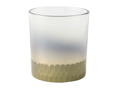 Liquid, Drinkware, Glass, Transparent material, Aqua, Barware, Highball glass, Cylinder, Tumbler, Solution,