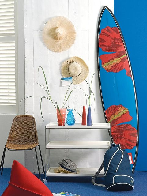 Blue, Turquoise, Wall, Interior design, Room, Furniture, Surfboard, Footwear, Table, Living room,