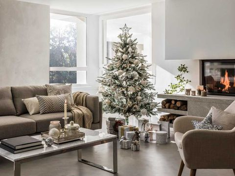Living room, Room, Furniture, White, Interior design, Christmas decoration, Christmas tree, Couch, Property, Home,