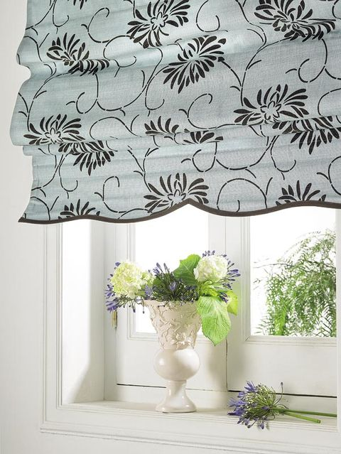 Leaf, Interior design, Interior design, Botany, Fixture, Bouquet, Art, Artifact, Vase, Cut flowers,