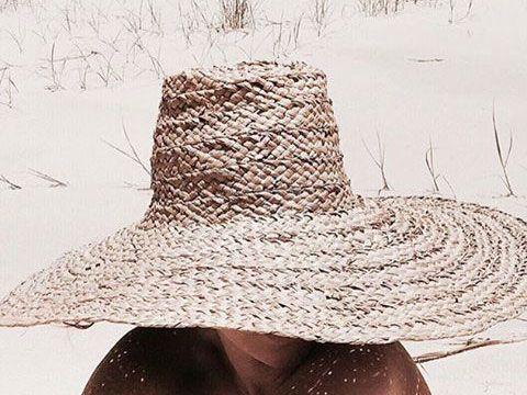Pamela de paja para la playa