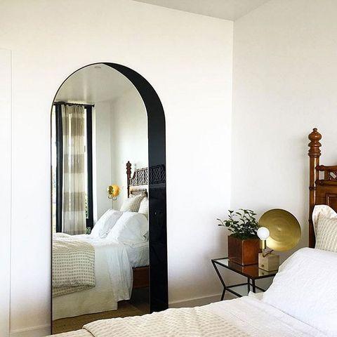 Bed, Wood, Room, Interior design, Bedding, Wall, Textile, Furniture, Linens, Bedroom,