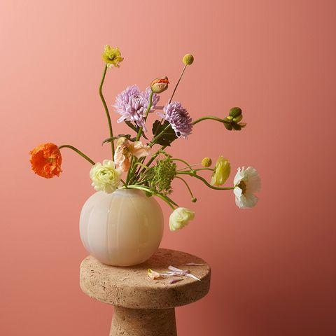 Flower, Petal, Still life photography, Vase, Flowering plant, Cut flowers, Artificial flower, Plant stem, Artifact, Pedicel,