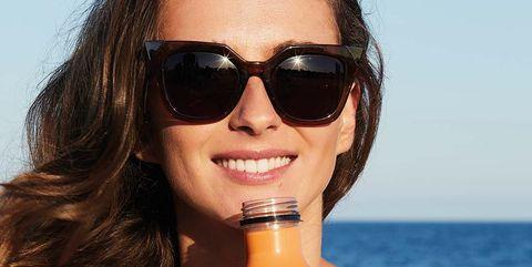 Eyewear, Sunglasses, Hair, Hairstyle, Water, Lip, Black hair, Goggles, Glasses, Sun tanning,