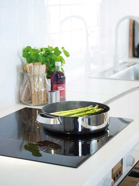 Green, Liquid, Fluid, Glass, Gas stove, Kitchen stove, Cookware and bakeware, Stove, Vase, Interior design,