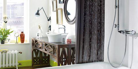 Bathroom, Bathtub, Room, Property, Interior design, Plumbing fixture, Product, Tap, Bathroom accessory, Floor,