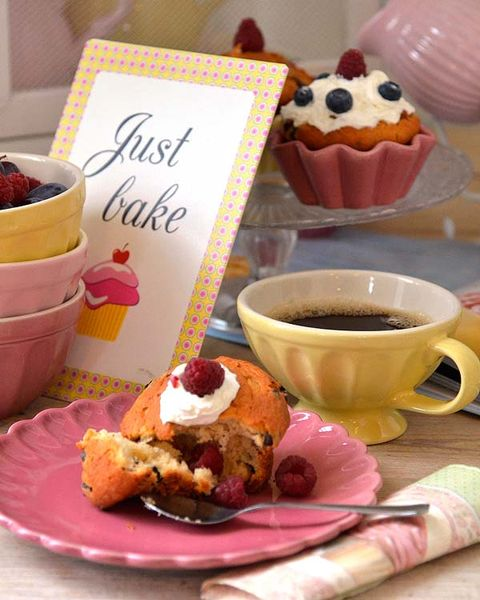 Serveware, Coffee cup, Food, Cuisine, Dishware, Sweetness, Drinkware, Ingredient, Cup, Dessert,