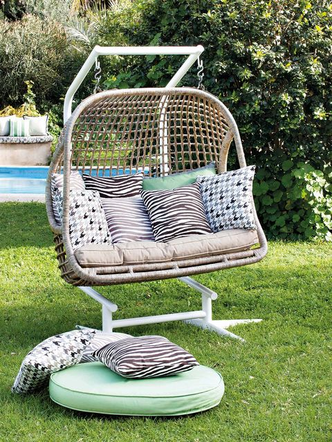 Swing, Product, Wicker, Grass, Basket, Tree, Furniture, Lawn, Outdoor play equipment, Yard,