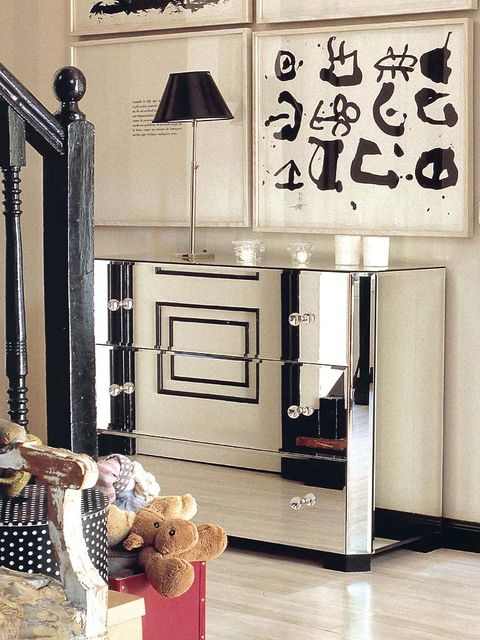 Floor, Toy, Door, Light fixture, Lampshade, Teddy bear, Stuffed toy, Handwriting,