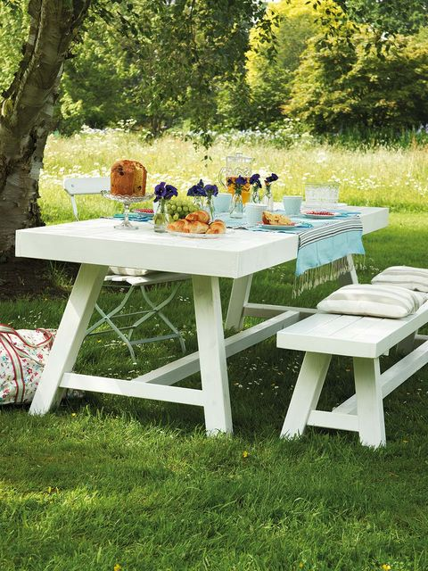 Furniture, Table, Outdoor furniture, Outdoor table, Tablecloth, Linens, Garden, Home accessories, Picnic, Dishware,