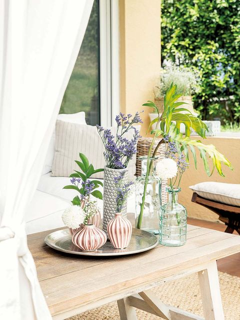 Table, Interior design, Room, Furniture, Interior design, Centrepiece, Window treatment, Curtain, Glass, Vase,