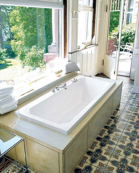 Plumbing fixture, Property, Architecture, Bathtub, Floor, Room, Interior design, Tile, Tap, Glass,