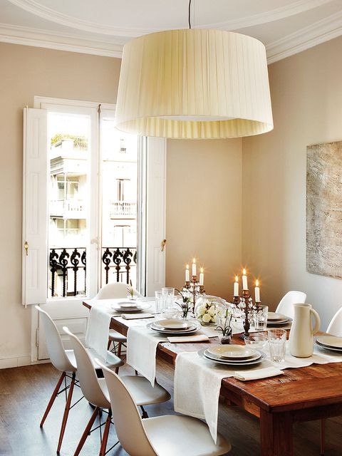 Room, Interior design, Table, Furniture, Serveware, Floor, Dishware, Interior design, Light fixture, Ceiling,
