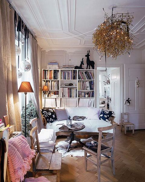 Room, Interior design, Floor, Wood, Wall, Flooring, Home, Furniture, Living room, Ceiling,