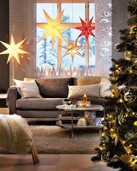 Interior design, Room, Christmas decoration, Living room, Couch, Home, Interior design, Furniture, Coffee table, Holiday,
