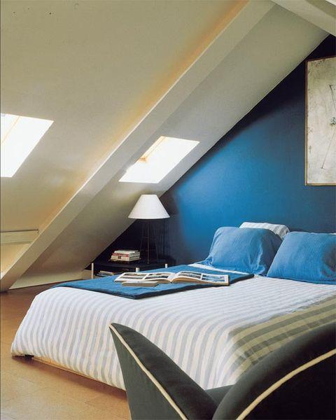 Bed, Lighting, Room, Interior design, Bedding, Floor, Textile, Bedroom, Bed sheet, Wall,