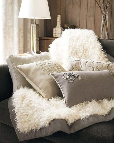 Room, Interior design, Textile, Lampshade, Home accessories, Grey, Linens, Cushion, Lamp, Beige,