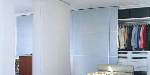 Room, Interior design, Floor, Laptop part, Ceiling, Wall, Flooring, Shelf, Shelving, Fixture,