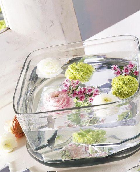 Cut flowers, Flower, Floristry, Floral design, Flower Arranging, Pink, Plant, Centrepiece, Petal, Tableware,