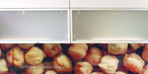 Ingredient, Dishware, Serveware, Local food, Natural foods, Produce, Onion, Whole food, Kitchen utensil, Peach,